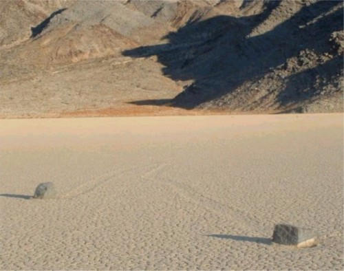 Racetrack-Playa-Death-Valley-2-600x473